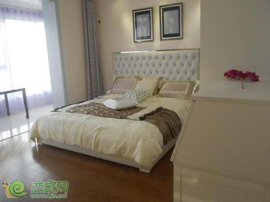 汉成华都106平米三居室 精装样板间的实景赏析