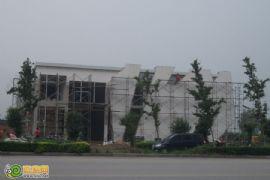 枫景华庭售楼处正在建设(2012.07.31)