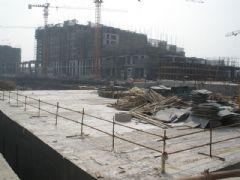 金世纪花园施工现场(2012.04.16)