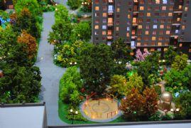 盛瑞华庭小区一角的亭台绿化