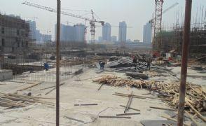 漳·和府其他楼栋加紧施工中(2013.04.18)