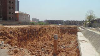 盛锦花园正在挖槽(2013.04.25)