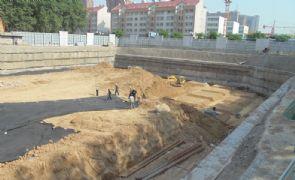 君合大廈北區正在挖槽(2013.05.20)