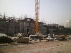 锦绣江南1#楼正在做地下二层(2013.03.08)