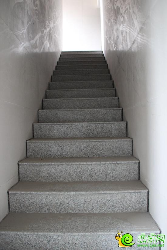 北海庄园景园楼栋内楼梯