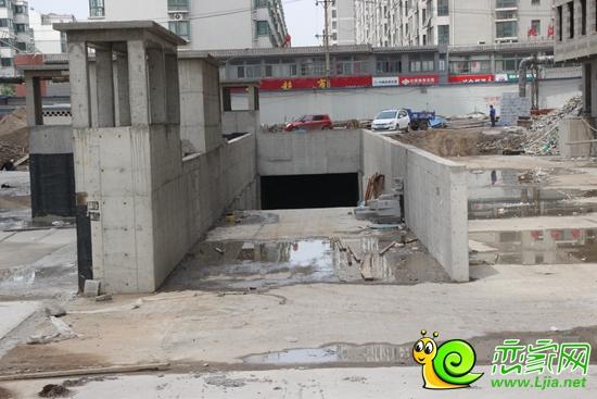 北海庄园景园地下车库出口