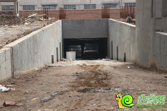 北海庄园景园地下车库入口