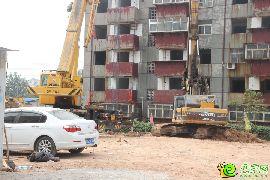 盛锦花园2#楼开始打桩(2015.07.10)