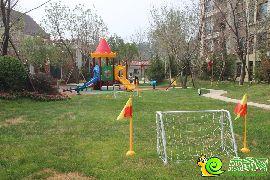 园林实拍儿童游乐区