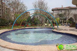 园林实拍小泳池