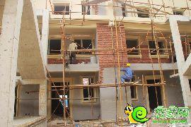 工人正在施工(2016.10.11)
