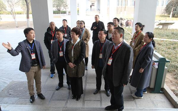 副區長劉長珍視察叢臺區公開小學教師招聘筆試工作