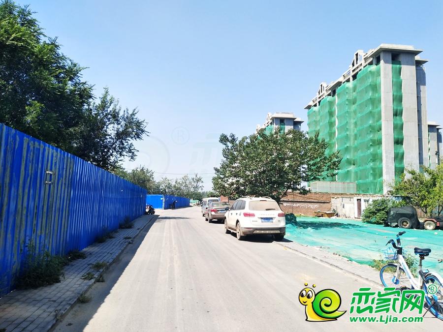 泽信和熙府南边道路(2019.9.07)