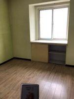 龙旺名城,老证,精装修,三室两厅两卫,均价8千,低于市场价!