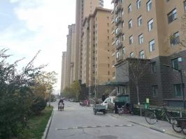 漢成華都,南北通透 有證能貸款 看房方便 拉德芳斯房源都有