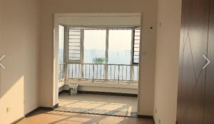 房齡最新的學區房 有房本能落戶能貸款 龍騰佳苑 今天新上房源