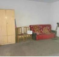 勞動路上的好房出租,1樓,有簡單家具,看房聯系