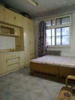 商貿城四樓40平一室一廳家具熱水器空調600元
