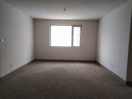 創鑫陽光城三居室中間樓層可貸款