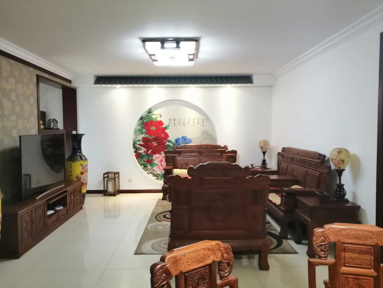 育華天鴻 春光小區精裝四室帶紅木家具 老證能貸款