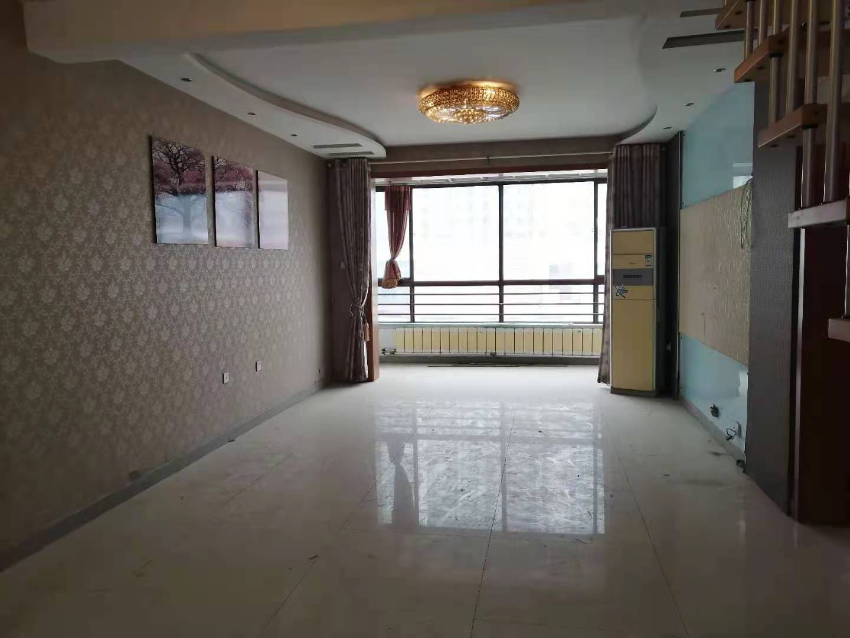 家和小區絕版多層洋房帶電梯,超大平臺帶地下室