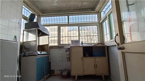 希望山城老證可貸款南北通透中間樓層帶小房