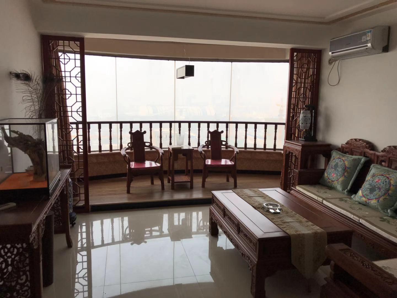 星城国际 精装三居 客厅带飘窗 诚心出售 看房方便