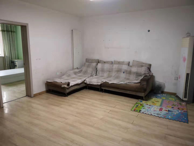 家和小区北院104平三室带地下室老证看房方便