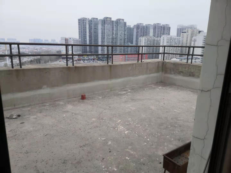 家和小区北院电梯房复式6室带3个大平台