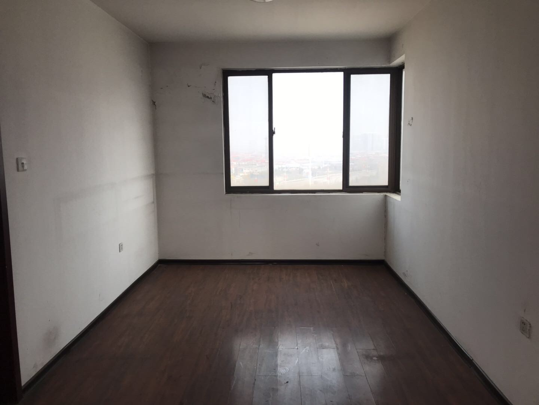 家和小区6室3卫 赠送大平台  可贷款