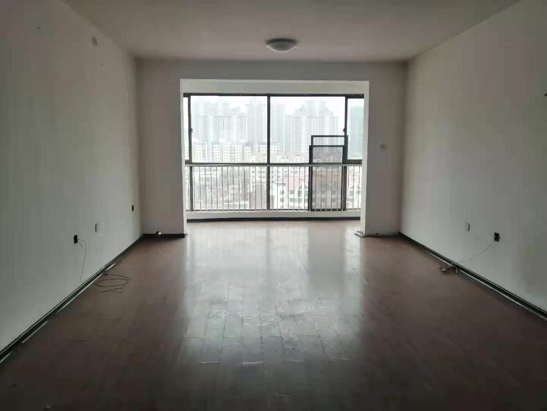 家和小区10层复式带电梯 262平六室三厅 带俩平台