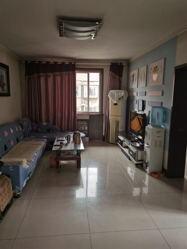 戍强公寓6层97平带阁楼平台85万可贷款