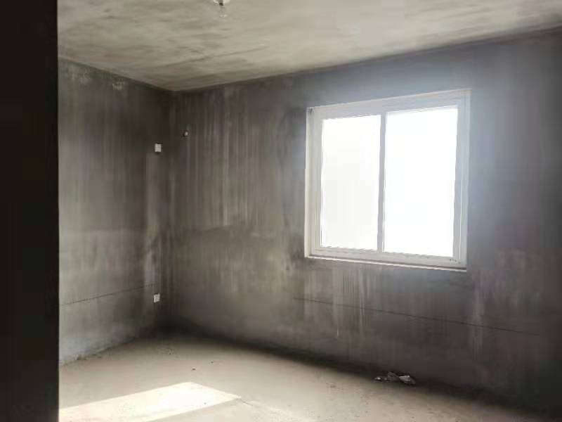 四季花城135平3室2厅2卫电梯房37.5万 有钥匙随时看房