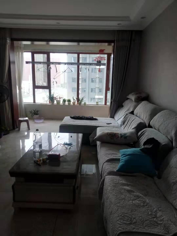 万浩金百合西区精装修3居室东户有证能贷款
