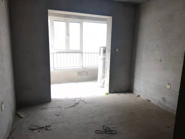 汉成华都西区105平三室毛坯有证可贷款钥匙房