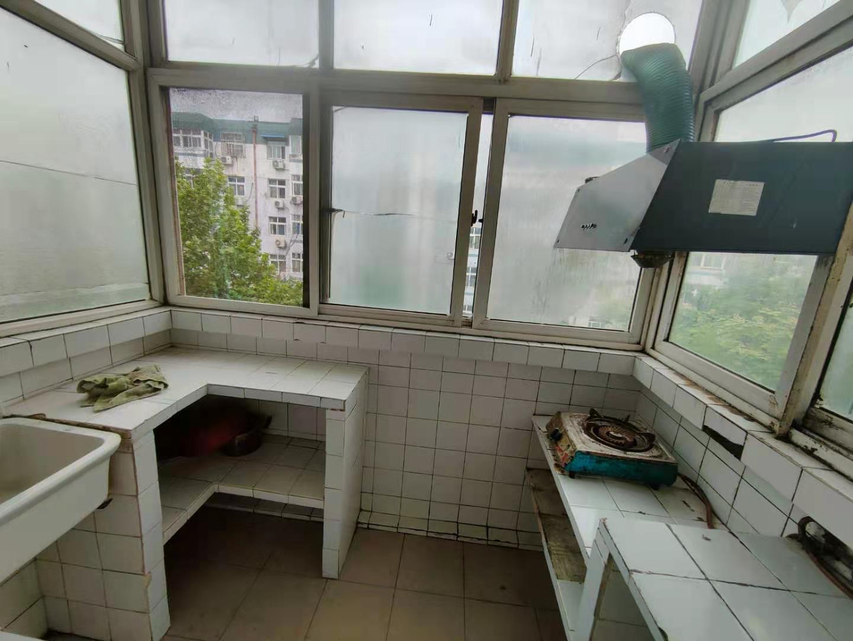 整租|爱华公寓三室两厅一卫