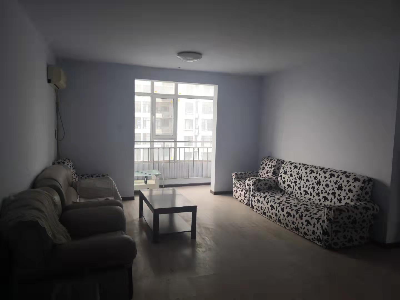 天澤園小區簡單裝修三室帶車庫老證可貸款