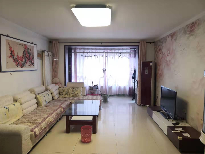 家和小區北院低樓層三室老證帶地下室有固定車位看房方便