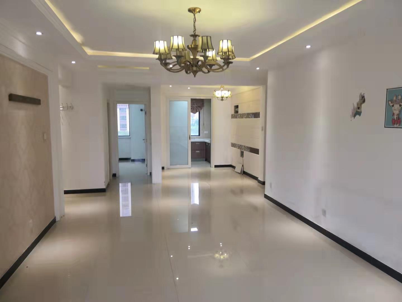 美的拉德芳斯三室空房有證可貸款帶地下室看房方便