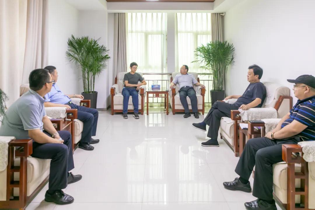 邯郸经开区领导会见北京时诊科技有限公司高管