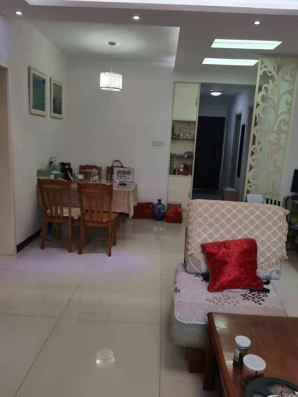 藍天金地精裝修2室2衛老證能貸款看房方便