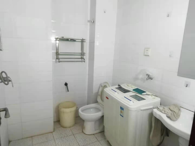 滏陽公園附近黃金一樓帶地下室房主急售低于市場價